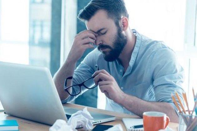Cuatro maneras para evitar la fatiga visual causada por tus dispositivos