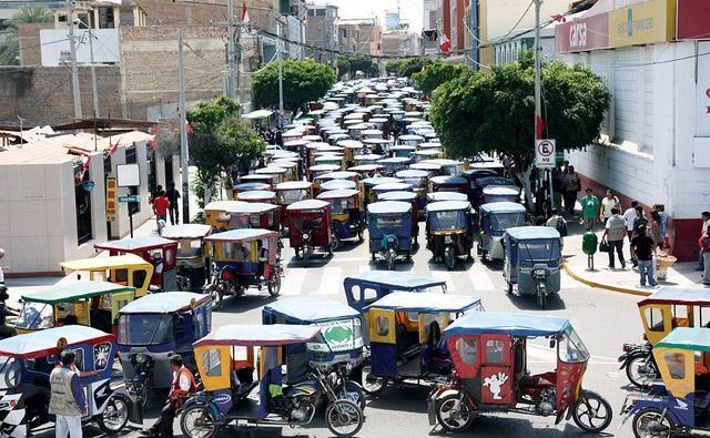 Al menos 3 mil mototaxistas de Piura amenazan con paro