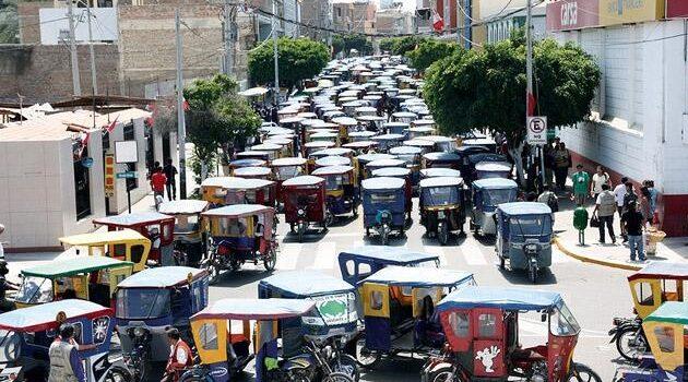 Mototaxistas alistan paro para este 19 de marzo en todo el Perú