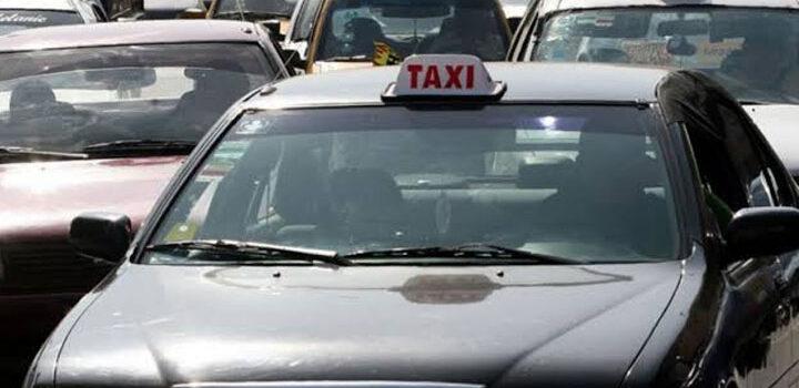 Mujer con síntomas de Covid-19 muere dentro de taxi