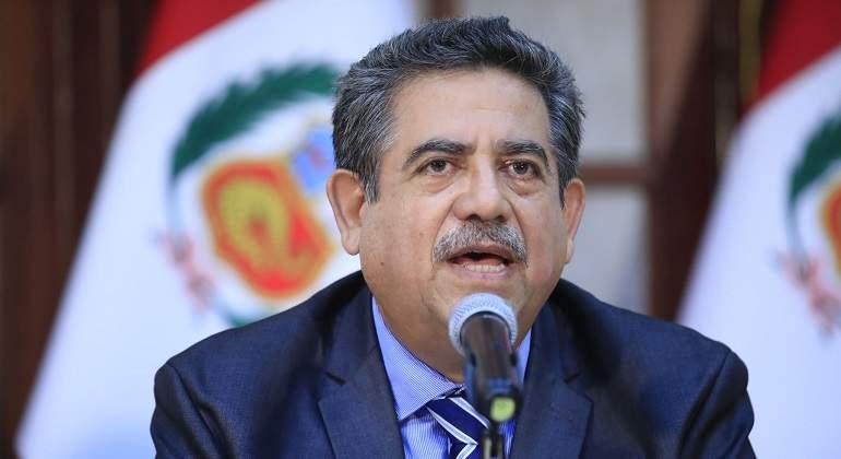 Presidente del Congreso busca  rescatar la confianza de los peruanos