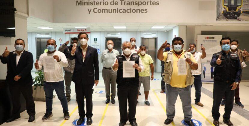 Levantarán paro nacional de transporte luego de llegar a un acuerdo