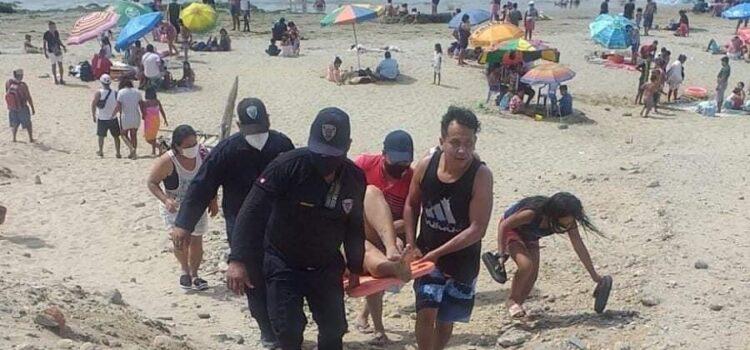 Por peligro de rayas cierran playa en la provincia de Talara