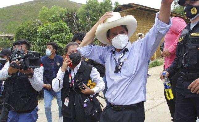 El candidato Pedro Castillo lidera la primera vuelta de comicios