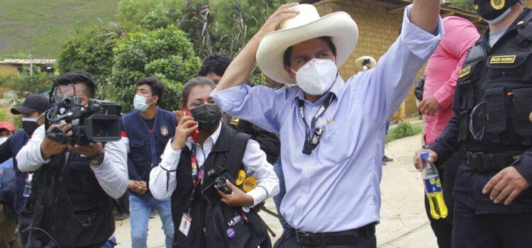 ONPE: El candidato Pedro Castillo lidera la primera vuelta de comicios
