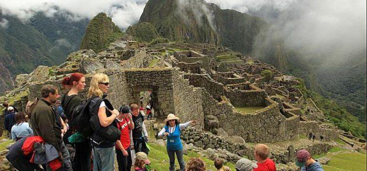 Aprueban estrategia nacional para la reactivación del sector turístico
