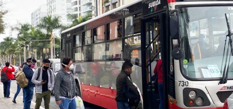 Semana Santa: Personas solo pueden desplazarse en transporte público