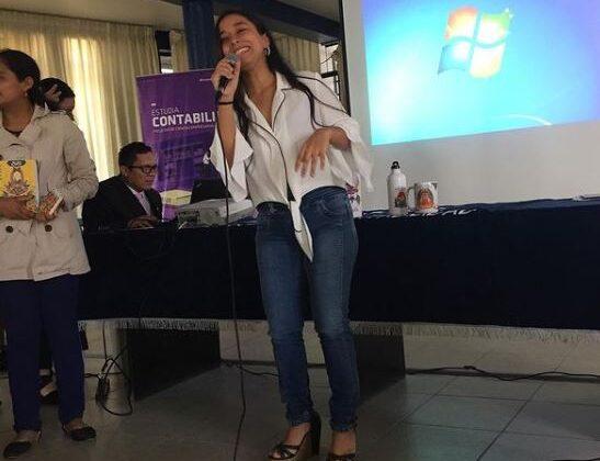 Joven piurana internacionaliza sus cursos a través de las redes sociales
