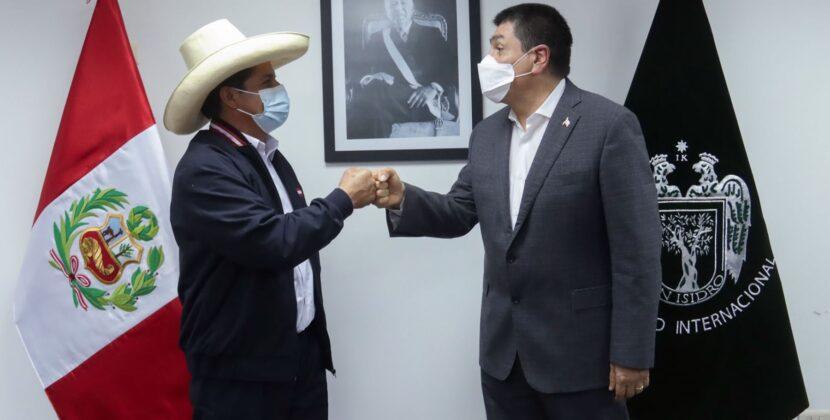 Alcaldes de Lima reciben visita del candidato presidencial Pedro Castillo