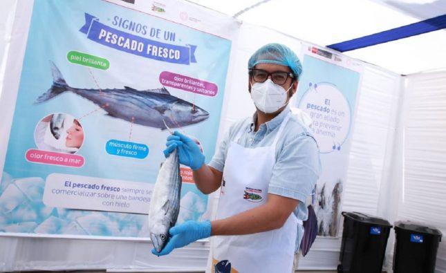 Ministro de producción resalta labor de pescadores en Perú