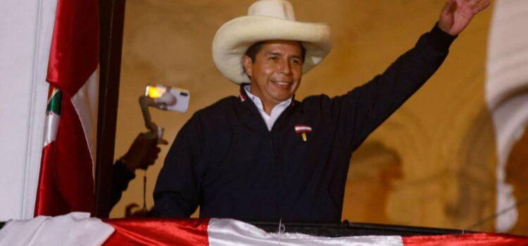 Pedro castillo lidera las elecciones generales de Perú 2021